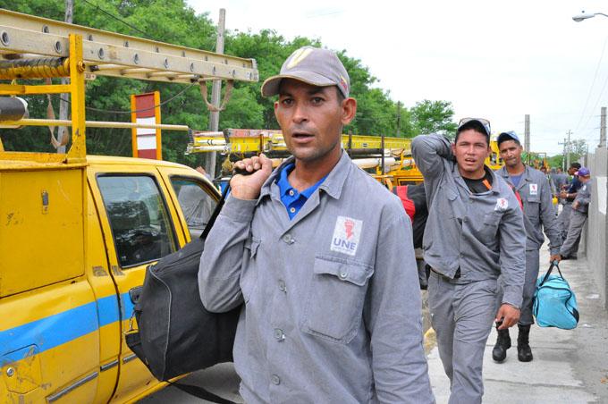 Linieros de Granma apoyarán recuperación en Camagüey (+ fotos y video)