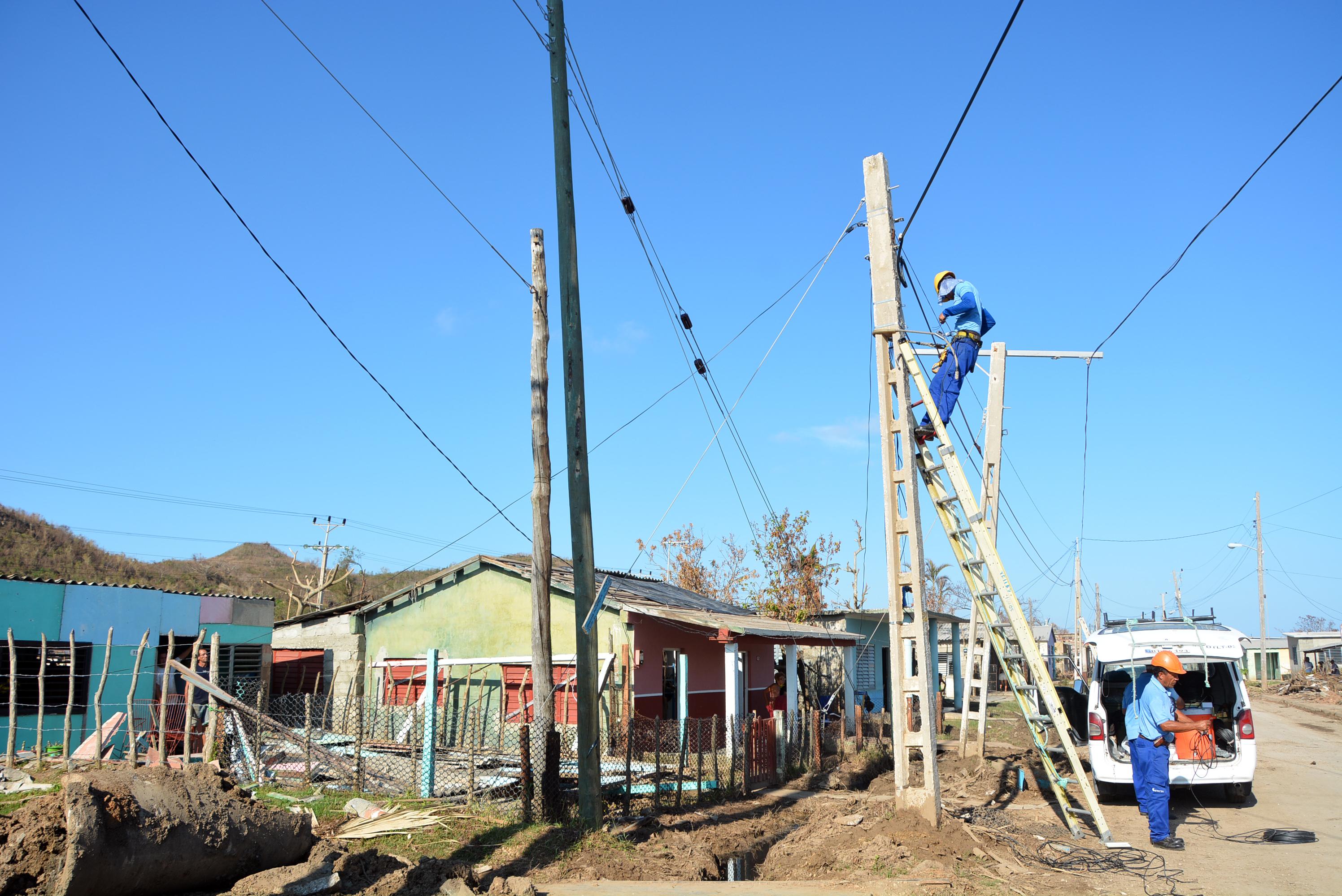 Comunicaciones en Cuba restablecidas en más de un 90 por ciento