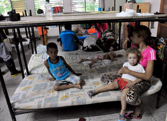 Más de un millón de evacuados en Cuba por azote de Irma