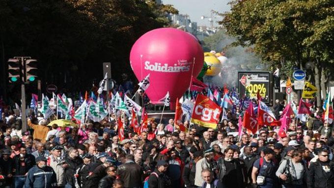 Franceses toman nuevamente calles de París en contra de la reforma laboral de Macron