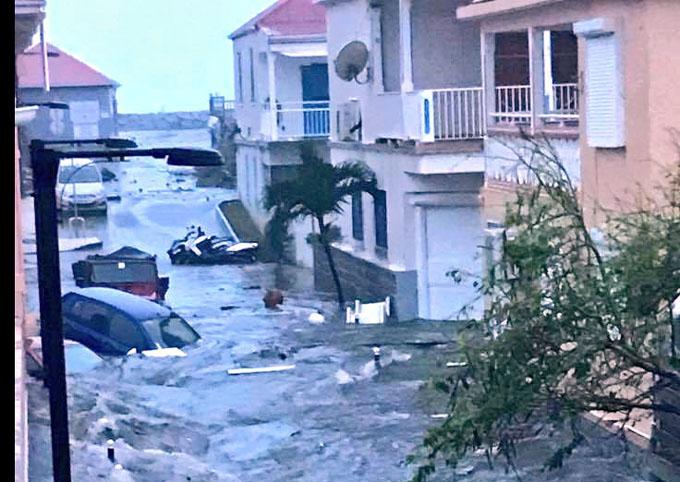 Huracán Irma toca el Caribe y avanza hacia Cuba ( + fotos y videos)