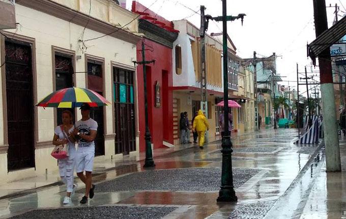 Amanece Granma con tranquilidad, a pesar de amenaza de Irma (+ fotos y videos)