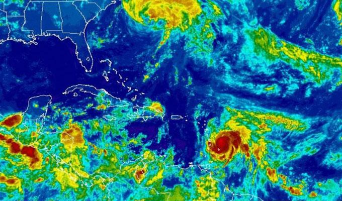 Puerto Rico se declara en emergencia por huracán María