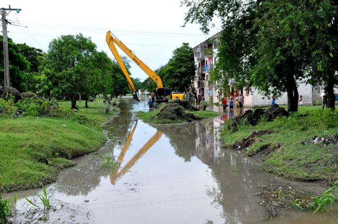 Permanecen evacuados en Granma por inundaciones