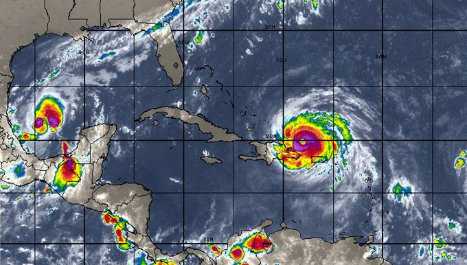Huracán Irma azota con fuerza al Caribe y se acerca a Cuba (+ fotos y video)