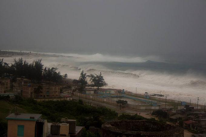 Enfrenta Holguín los embates del huracán Irma