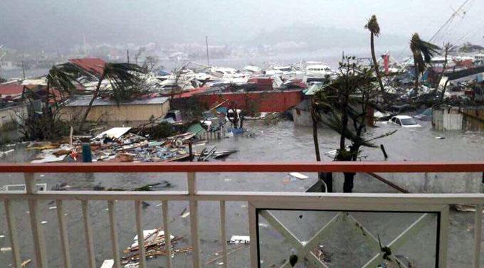 Huracán Irma comienza a hacer estragos en el Caribe (+ fotos y videos)