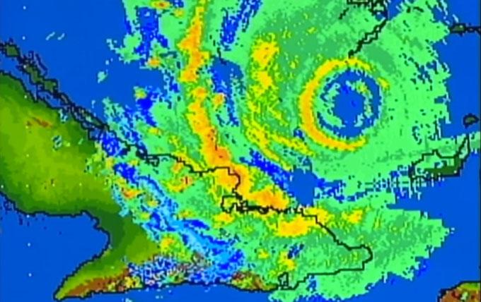 Irma se debilita ligeramente al norte de Guantánamo (+ videos)