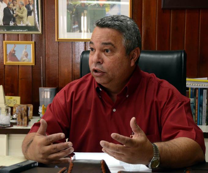 Visita Cuba delegación sindical china