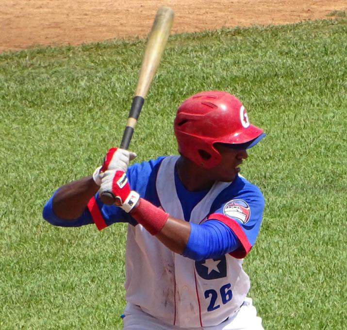 Alazanes dominan el compromiso ante Cocodrilos en campaña beisbolera