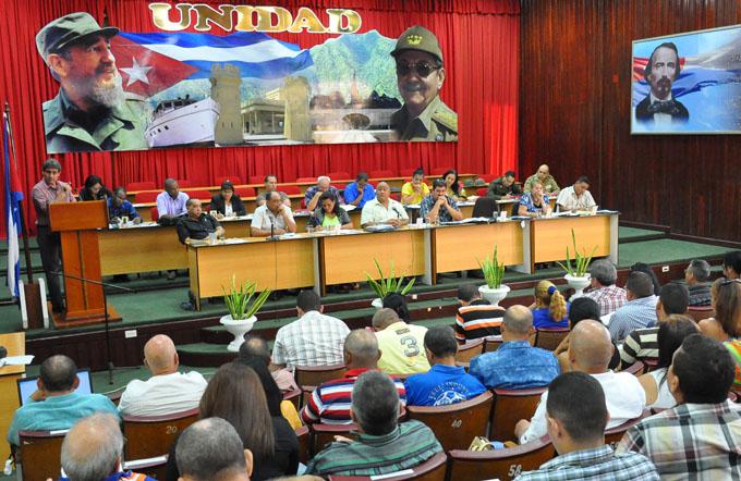 Sesionó pleno del Comité  del Partido en Granma