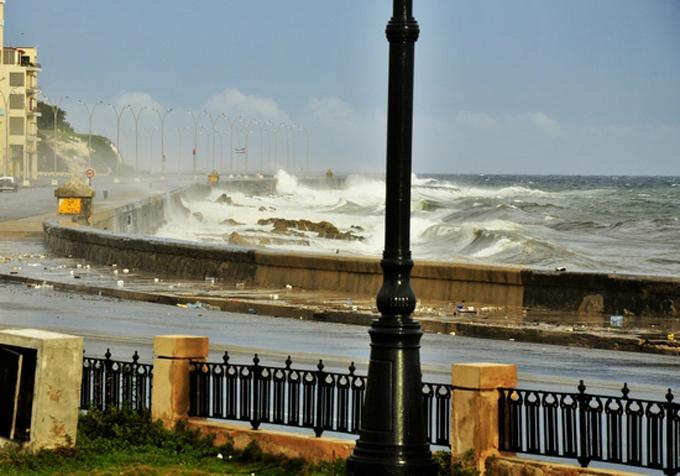 Irma seguirá azotando hoy a la región occidental de Cuba