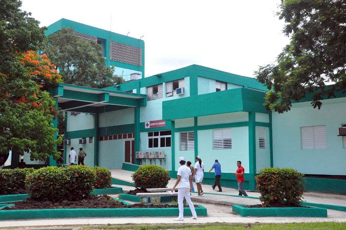 """Adoptan medidas en hospitales de Granma ante amenaza de """"Irma"""""""