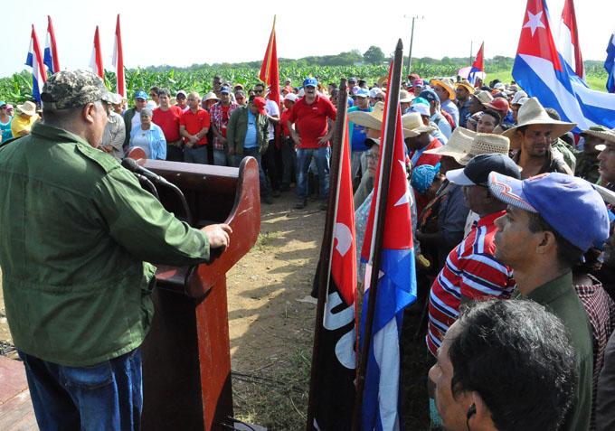 Celebran desde el campo aniversario de los CDR (+ fotos)