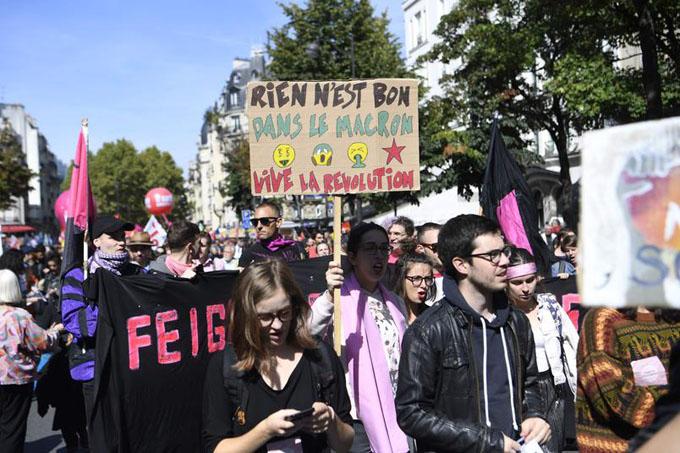Comienza en Francia huelga de transportistas contra reforma laboral