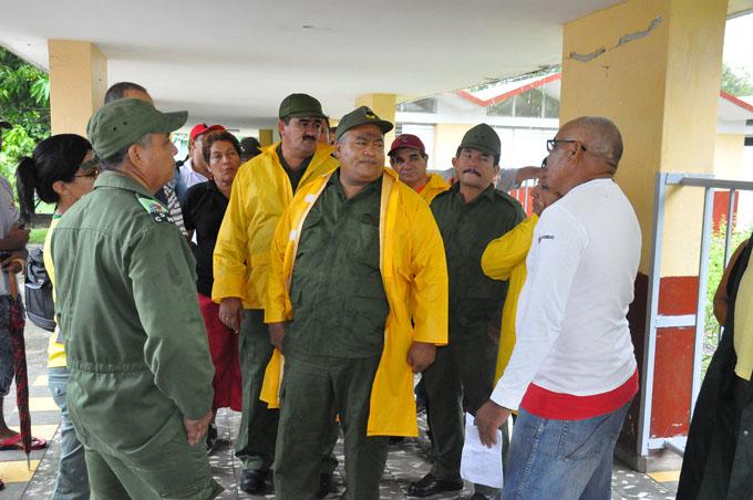 Recorre Consejo de Defensa zonas vulnerables de Granma (+ fotos)