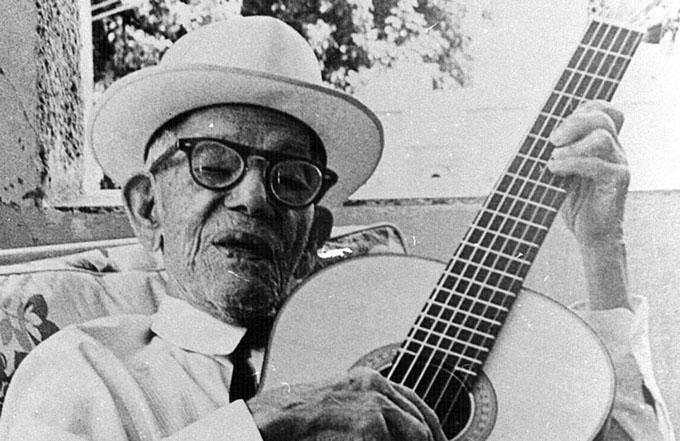 Exhibirá Fiesta de la Cubanía guitarra original de Sindo Garay