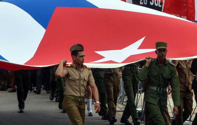 Cuba rinde tributo a Camilo Cienfuegos a 58 años de su muerte (+video)