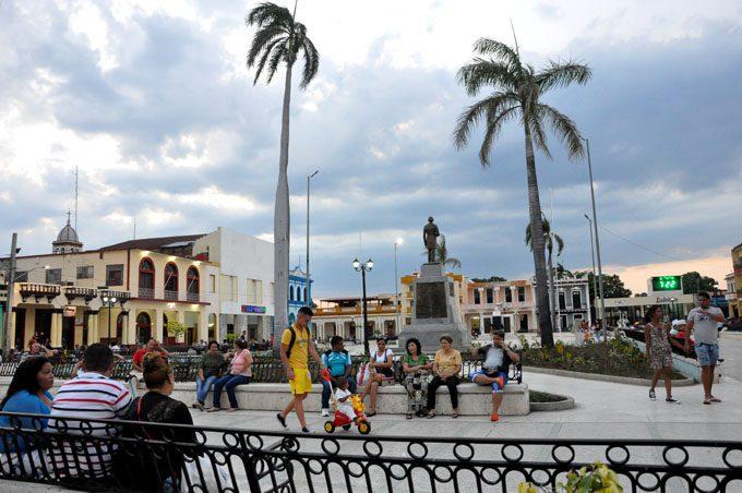 Bayamo, pueblo limpio… y de agua