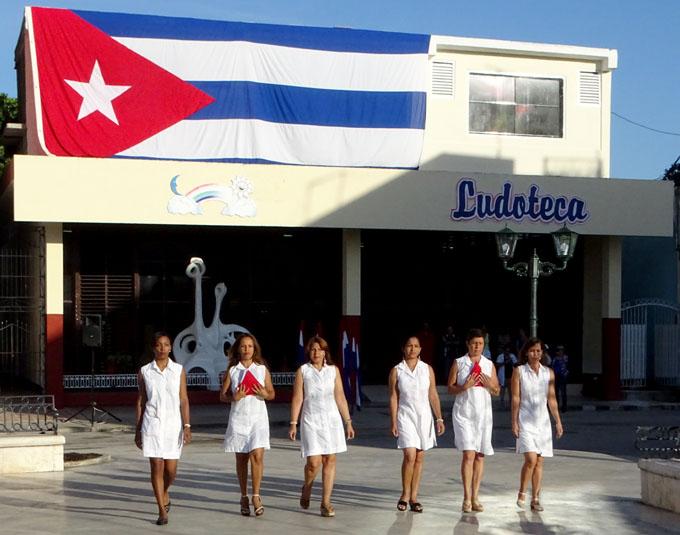 Banderas cubanas inauguran Fiesta de la Cubanía (+ fotos, videos y audio)