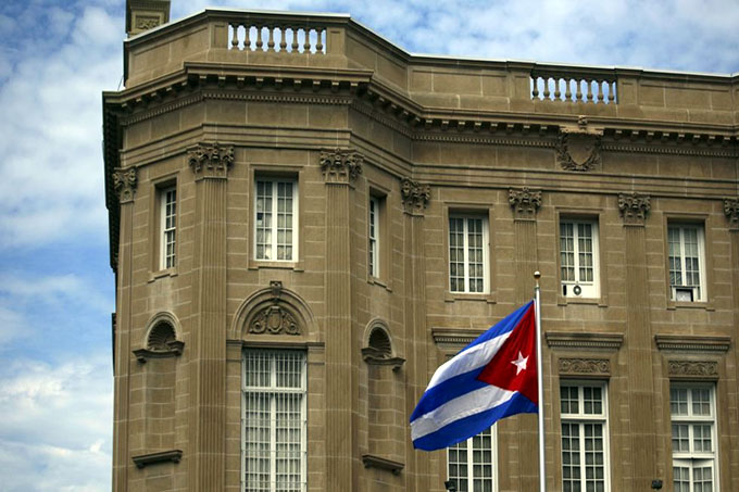 EE.UU. ordena salida de 15 diplomáticos cubanos de Washington (+ video)