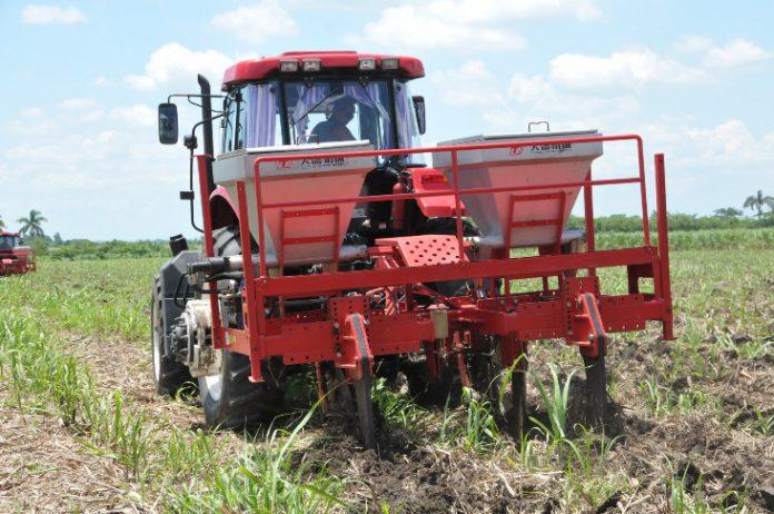Listas sembradoras de caña para entrar en acción en Granma