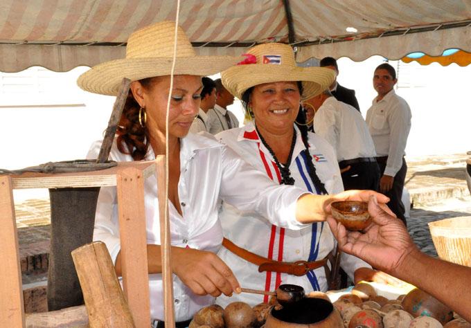 Comida tradicional para degustar en  Cubanía (+ fotos y videos)