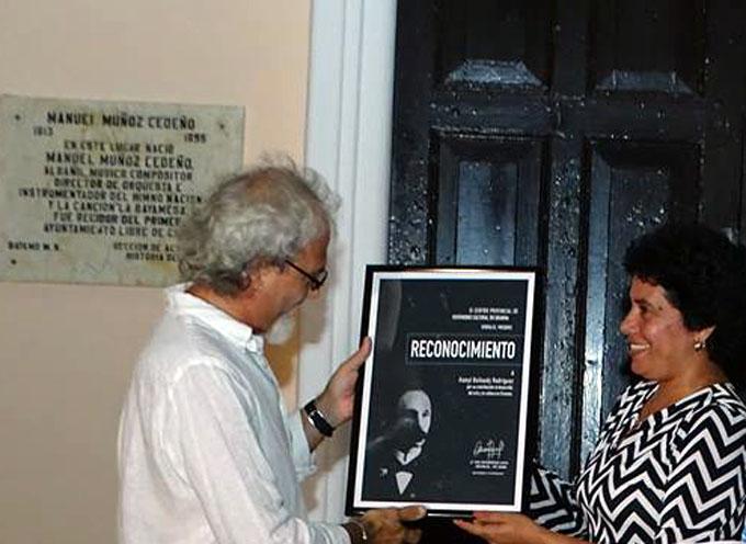 Homenaje a Martí desde la plástica y en Cubanía (+ fotos)