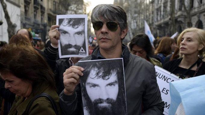 Incertidumbre, agobio, Maldonado: el nombre que mueve a Argentina (+ fotos)
