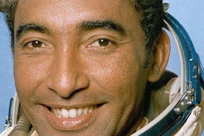 Cosmonauta cubano Arnaldo Tamayo recibirá medalla en la Unesco