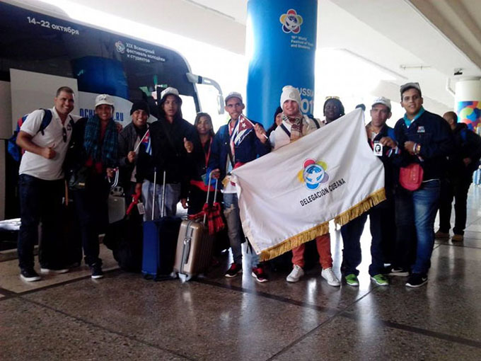Arriban a Sochi delegados cubanos a Festival de juventudes