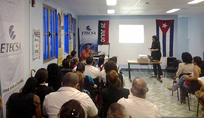 Distinguen calidad de servicios de Etecsa Manzanillo