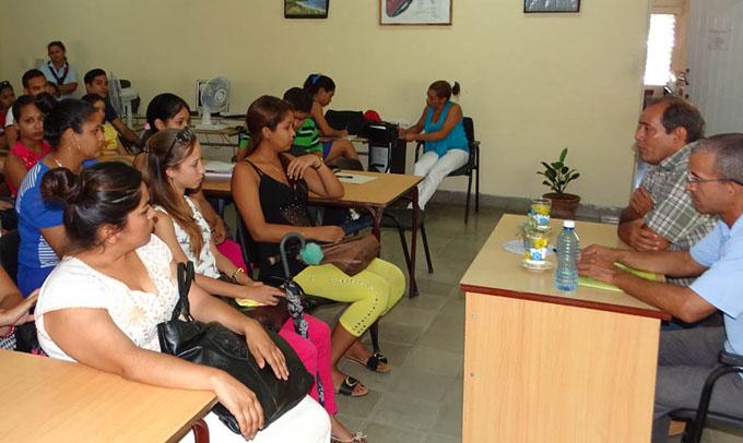 Dialogan sobre independencia y gobernación en Bayamo (+ fotos y audios)