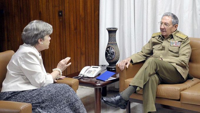 Recibió Raúl a Secretaria Ejecutiva de la CEPAL