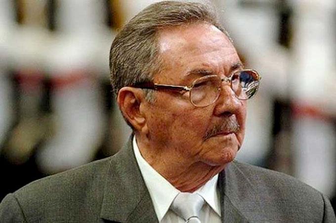 Presidente cubano felicita a Centro de Estudios Martianos