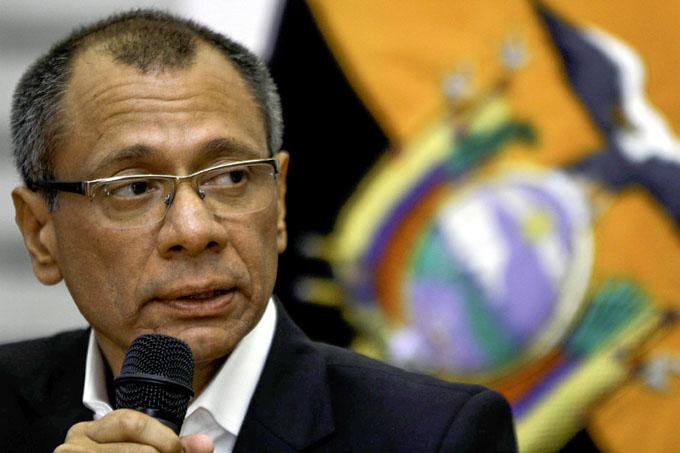 Ecuatorianos ofrecen apoyo a vicepresidente a su llegada a prisión (+ fotos y video)