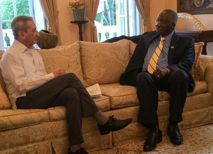 Intercambian Primer Ministro de Barbados y José Ramón Balaguer