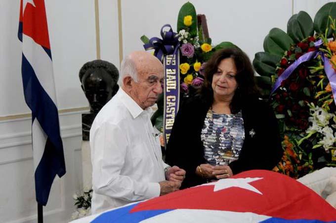 Destaca Machado Ventura fidelidad de Hart al Comandante en Jefe