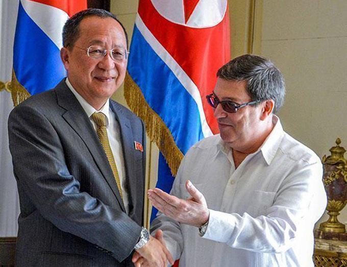 Canciller cubano recibe a su homólogo de Corea del Norte