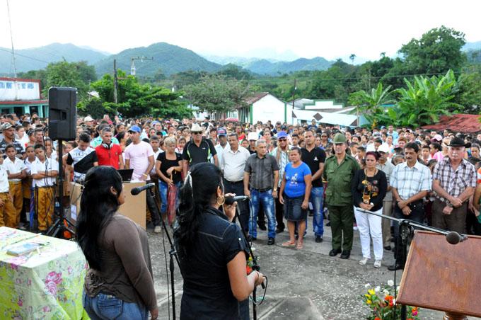 Celebran aniversario de la liberación de Buey arriba (+ fotos)