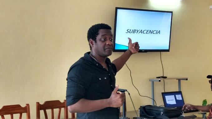 Debaten en Bayamo sobre el humor cubano