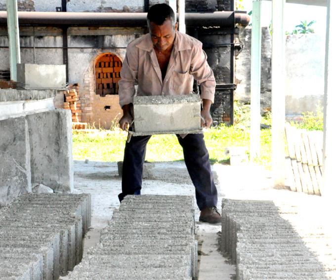 Evalúan marcha de producción local de materiales de construcción (+ audio)