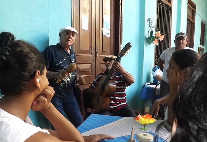 """Acordes trovadorescos """"envuelven"""" desde hoy a Manzanillo"""