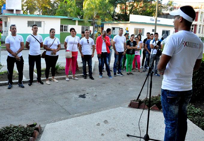 Despiden a jóvenes que participarán en evento científico nacional