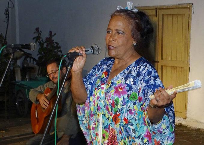 Dedican a Mayda Castañeda y a Bayamo Peña del Bolero de la Uneac