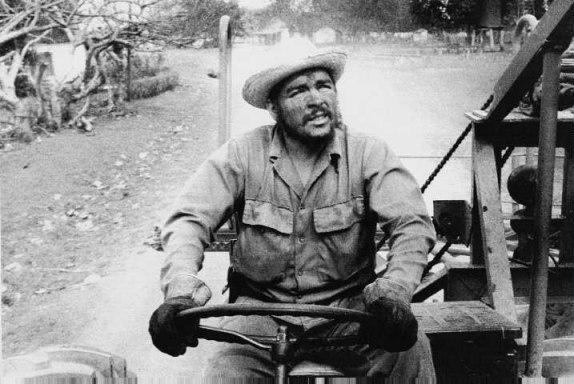 La primera piedra del Che en El Caney de Las Mercedes (+ fotos)