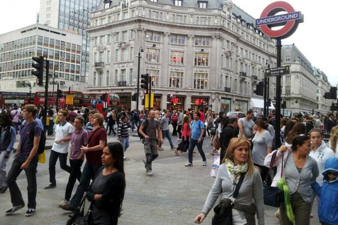 Gobierno británico anuncia facilidades para ciudadanos europeos