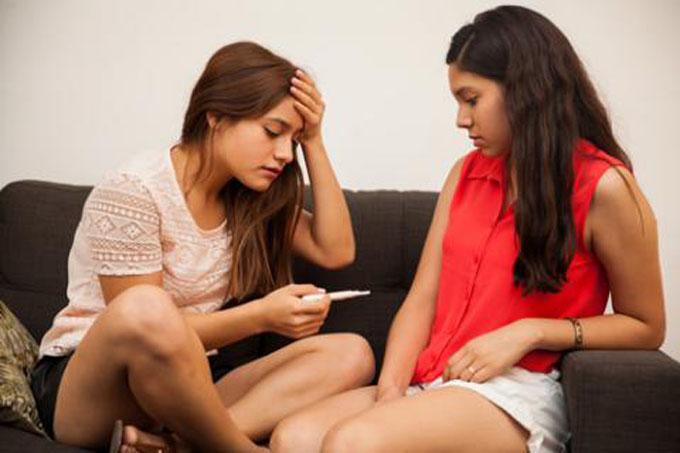 Expertos cubanos reflexionan sobre salud de gestantes adolescentes