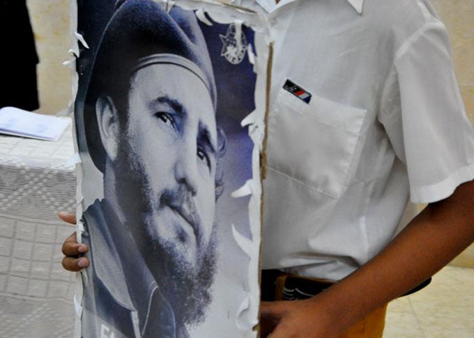 Tributo estudiantil al Líder Histórico de la Revolución
