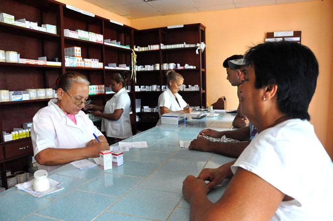 Patentizan compromisos farmacéuticos granmenses